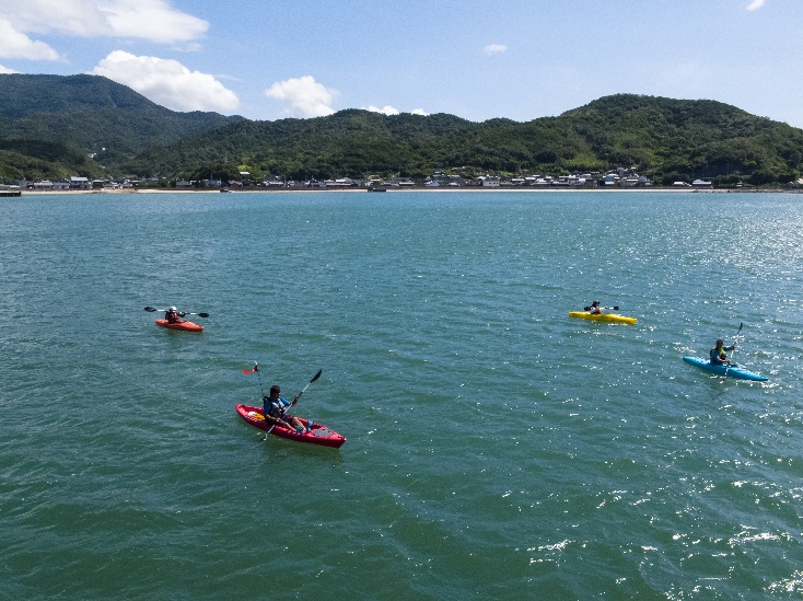 小豆島ふるさと村7 シーカヤック ©cubic-tt[島空撮]