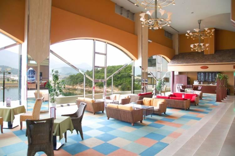 カフェ・セラヴィ (ベイリゾートホテル小豆島)