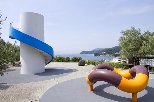 イサム・ノグチの遊具彫刻  ―小豆島オリーブ園―