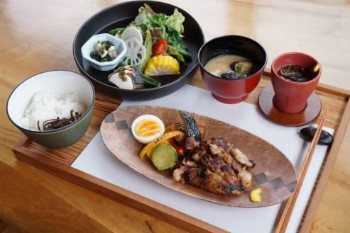 ひしお膳 -創作料理 野の花-